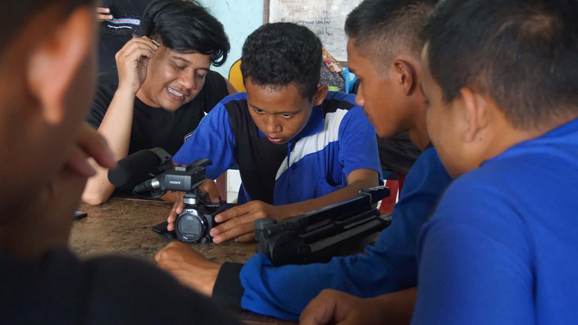 Behind The Scene   Ahu Parmalim